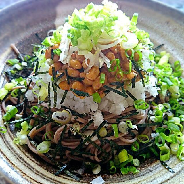 今日のお昼ご飯は、一旦帰宅して 冷蔵庫にあるもので~ - 127件のもぐもぐ - 納豆おろし蕎麦♪ by yokotachibana