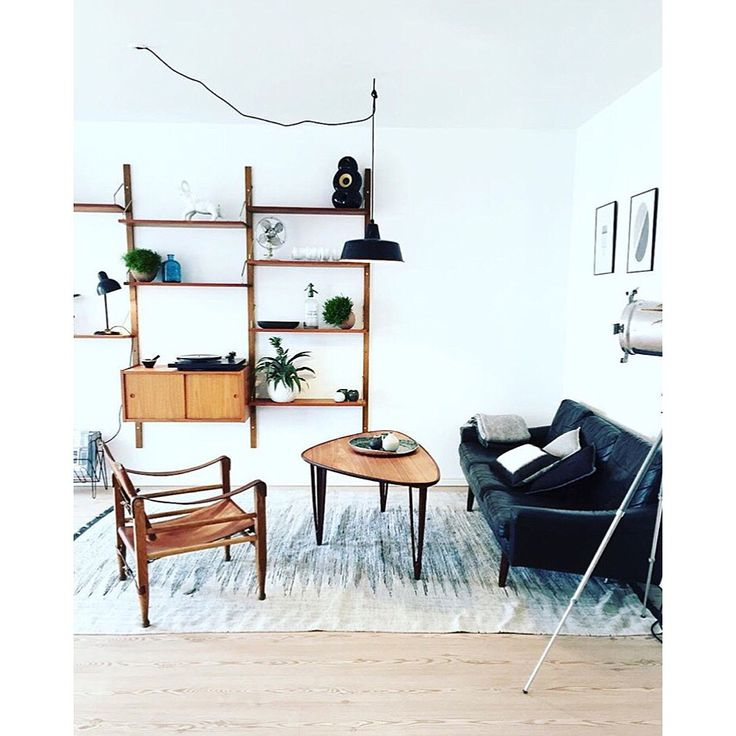 Our lovely retro living room with vintage, retro and danish design from 50s-60s   www.liseogmichael.dk  Instagram: lisevandborg