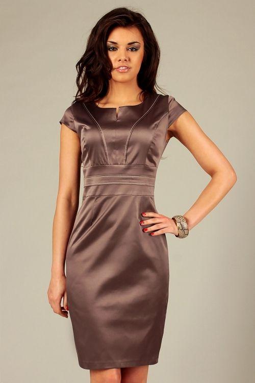 Wieczorowa satynowa elegancka sukienka bez rękawów cappuccino