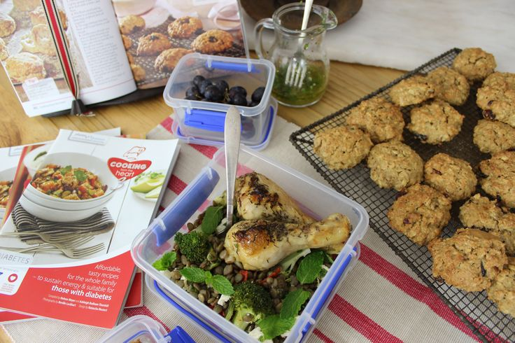 Kosblik  Roasted chicken, lentil and mint salad and for a treat, homemade oat cookies!