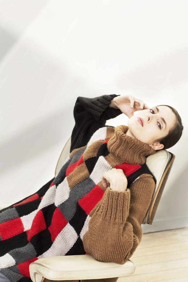 LOOKBOOK Atelier Ellenitsa AW15     Photographe : Clara Ferrand  #bauhaus #fashiondesigner #womenswear #aw15 #textile #knit #wool