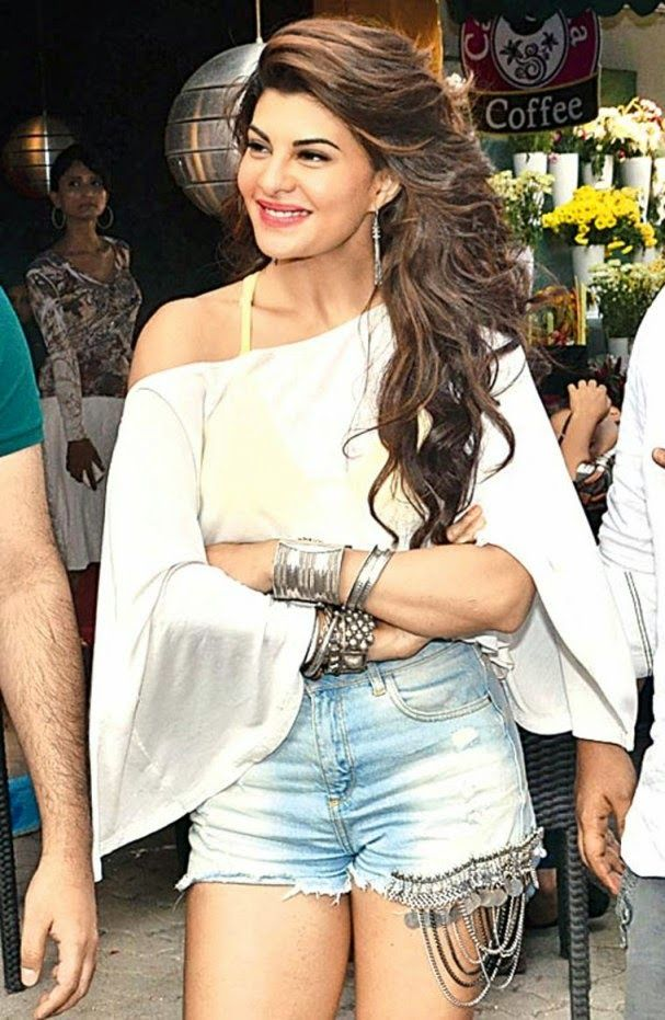Jacqueline Fernandez In Shorts On The Sets Of Hindi Film Roy Stills