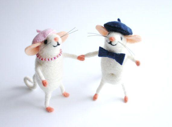 Family portrait custom Felt mouse couple Needle by HappyMouses