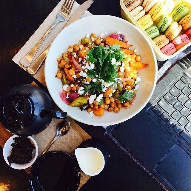 Braddon cafe @eightytwentyfood is all about balance, something Instagrammer liveinliving embraced perfectly with her healthy chickpea, roasted carrot and pumpkin salad and stash of macarons! Eighty percent of the menu is healthy, honest and delicious, while twenty percent is something a bit more indulgent. #visitcanberra #restaurantaustralia