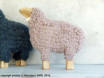 Mouton bois et laine vierge taupe, déco scandinave, Sphere Inter