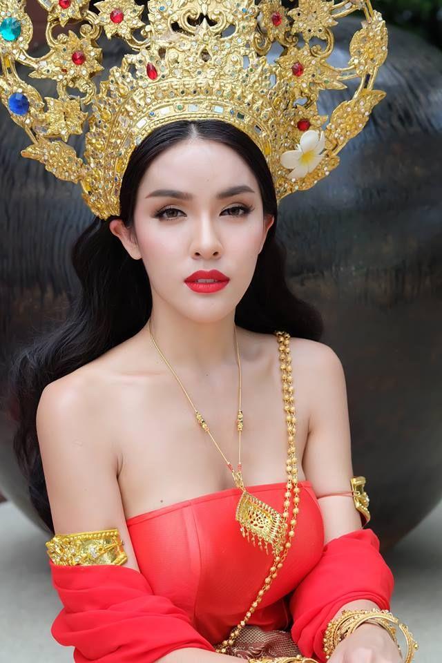Ladyboys Of Thailand — #Thailand #Ladyboys #Pattaya #Bangkok #Kathoey...