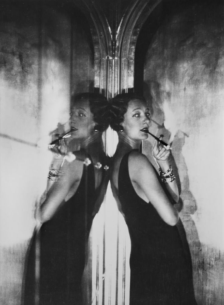 Gertrude Lawrence, photographed by Cecil Beaton, 1930. Lawrence (1898-1952) was an English actress, singer and musical comedy performer known for her stage appearances in the West End theatre district of London and on Broadway.