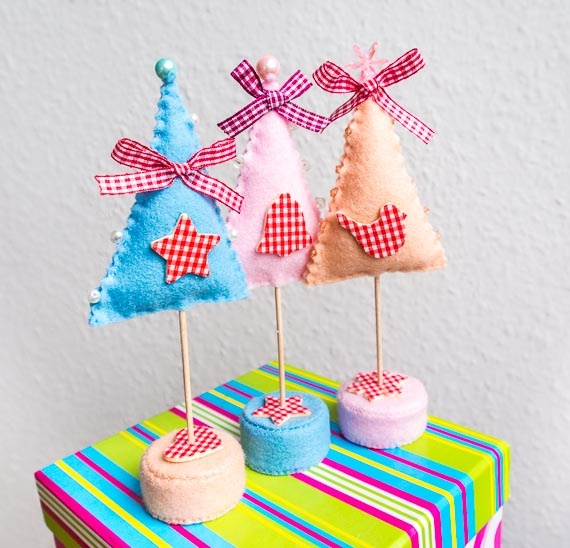 Enchanted Forest - Christmas Decorationas - Pastel Trees www.HandmadeTherapy.breslo.ro