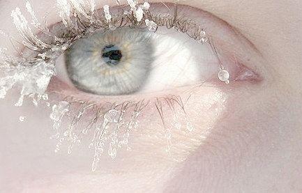 その瞳、反則。キラキラきらめきまつげで瞬きも虜にする誘惑メイク|MERY [メリー]