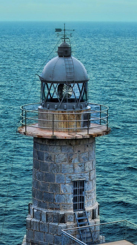 Faro de Santa Catalina, Spain- by herensuge