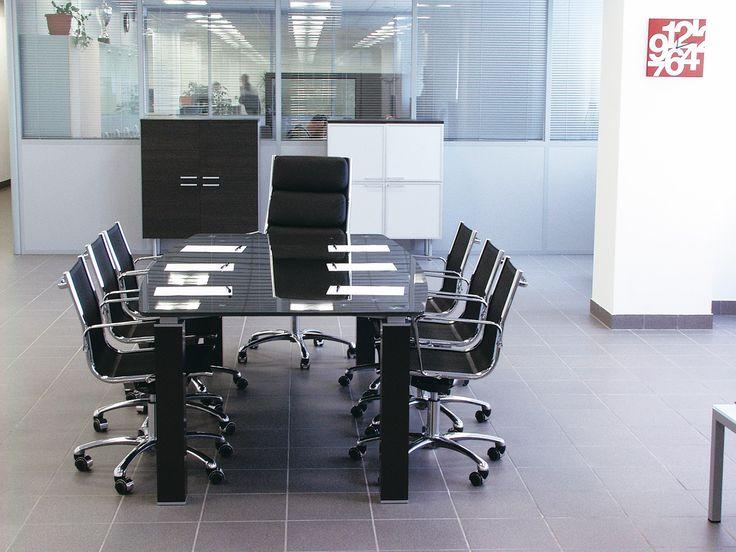 Стол для переговоров Tao Glass, переговорный стол Тао, столешница черное стекло