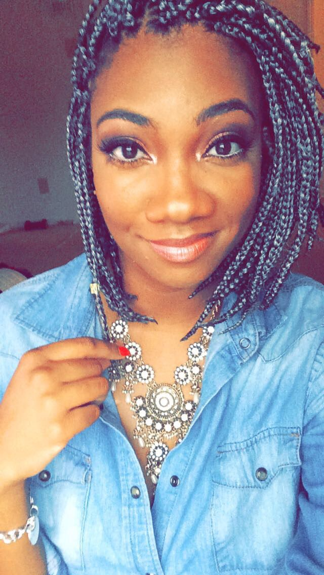 Grey Box Braids In A Bob Box Braids Braids Shoulder