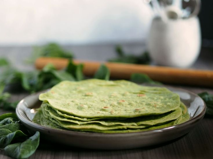 Homemade Spinach Wraps with real spinach. No additives or preservatives and super delicious.