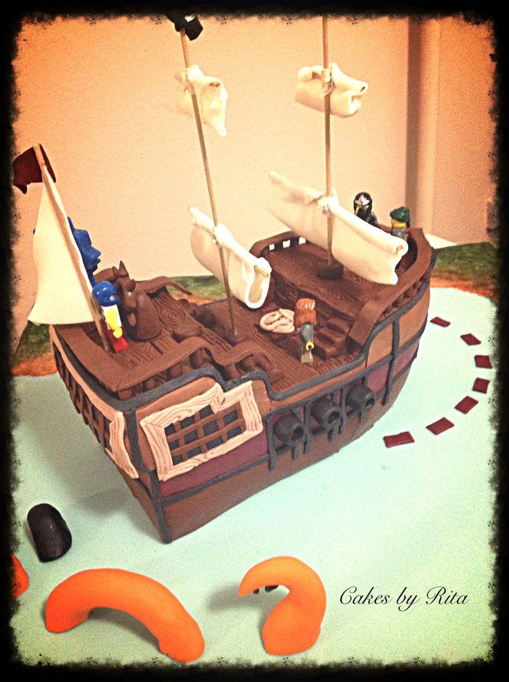 Pirate boat cake