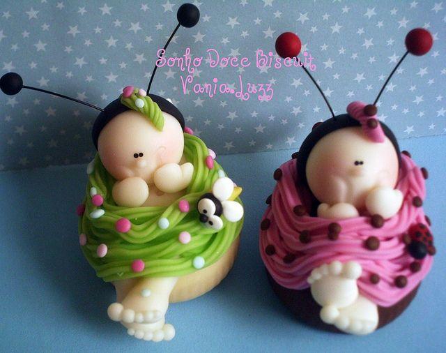 Abelhinha e joaninha baby aprontando...rs by Sonho Doce Biscuit *Vania.Luzz*, via Flickr