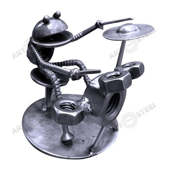 HandMade Frog Playing Drums 5 Scrap Metal by artfromsteel