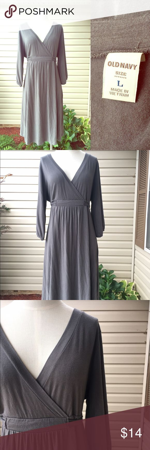 ⭐️Old Navy Gray V Neck Long Sleeve Dress Size L⭐️ ⭐️Old Navy Gray V Neck Long Sleeve Dress Size L⭐️ Excellent Condition! Ties in the back. Perfect for summer or fall wear. Next day shipping. All sales are final. Old Navy Dresses Midi