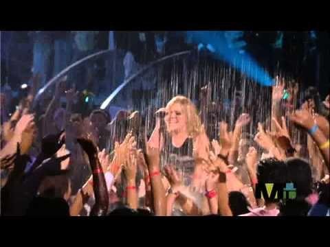 ▶ Kelly Clarkson Since U Been Gone 2005-08-28) MTV VMA's - YouTube