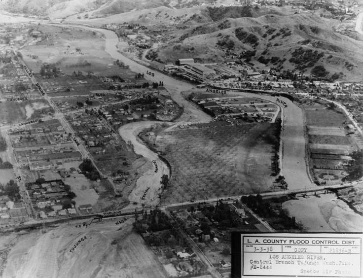 #LA #Flood of 1938:Confluence of the Los Angeles River and Tujunga Wash after the flood of 1938
