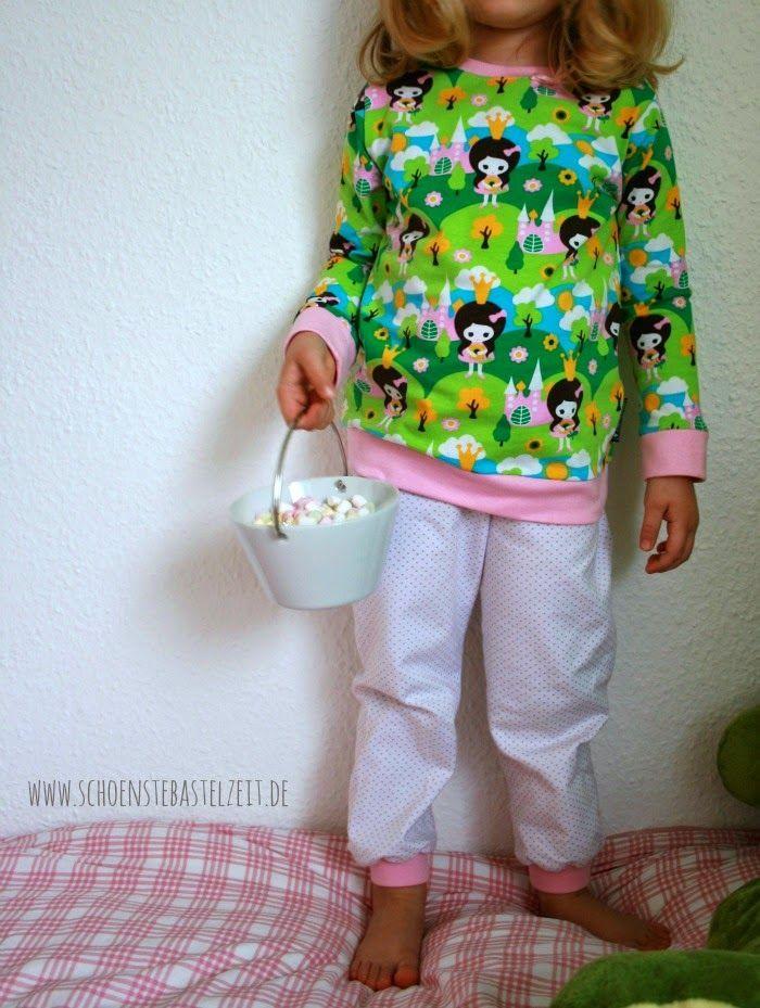 Kuscheliger Schlafanzug für kleine Prinzessinnen - genäht von (c) www.schoenstebastelzeit.de