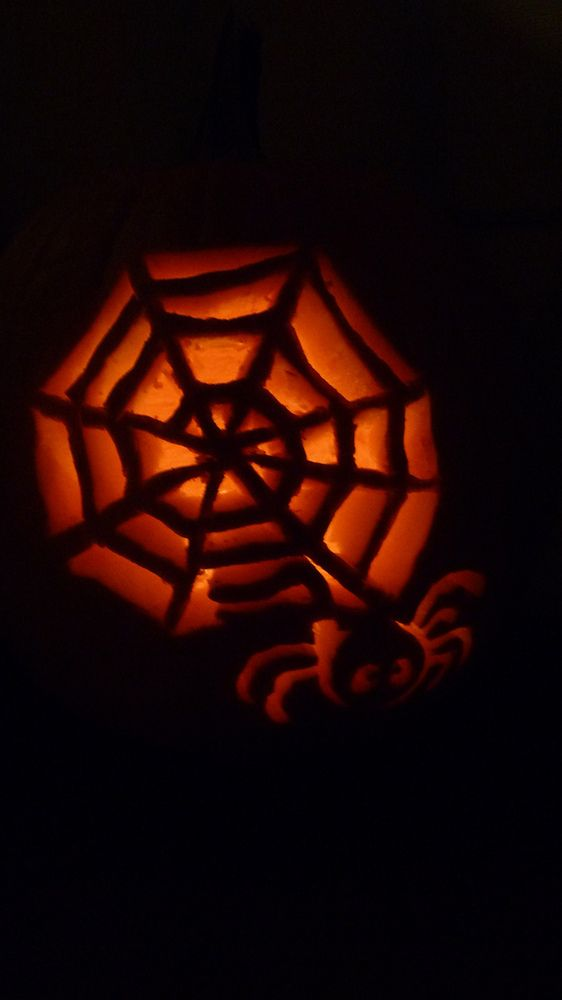 31 Pumpkin Carving Ideas For Overly Ambitious People (PHOTOS)