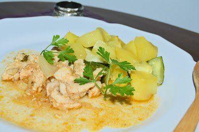 Cebolada de Porco com Batata e Curgete Assada - http://gostinhos.com/cebolada-de-porco-com-batata-e-curgete-assada/