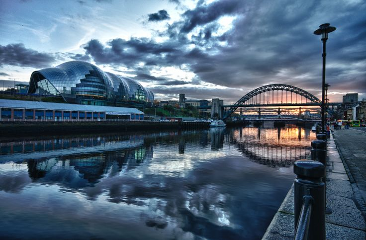 https://flic.kr/p/aBTbfB   Quayside Sundown   View On Black  I managed to sweep by the Quayside today after work for an hour and took a few shots from the Newcastle side ranging from up towards the Ouseburn right down to just infront of the Law Courts as the sun took a dive. Thought the best idea would be to try a few bracketed shots, a few LE's and a few panos. This is a bracketed shots processed in HDR Efex Pro which is a Niksoft Plugin for PS5. The sun came out to play for a bit but i…