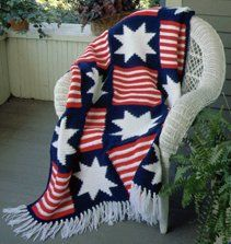 This Independence #Crochet Afghan will look great laying across the back of your couch when all your friends come over for your annual 4th of July barbecue. #AllFreeCrochet