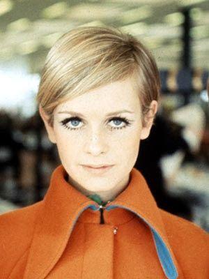 Twiggy 1960 orange vintage fashion, 1960s models, Twiggy hair, Twiggy beauty, Twiggy style