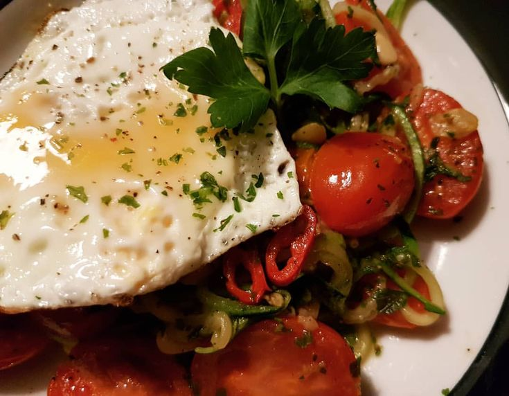 #lowcarb #vegetables #chili #peppers #stirfry #egg #zucchini #spicy #weightloss #fried #eggs #diet #healthy #veggie #spaghetti #vegetable #pasta #garlic