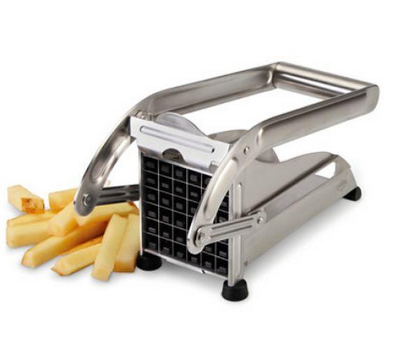 Cortar batatas para fritar