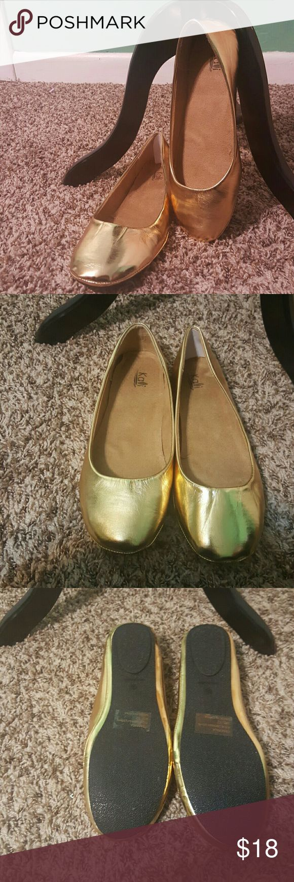New Gold Metallic Ballet Flats Plus Size 11, 11.5 These are a Sz 12 but run small. Would fit a size 11 or 11.5 best. True metallic color. The Sz 10 would be best for a 9.5 or 9. Kali Shoes Flats & Loafers