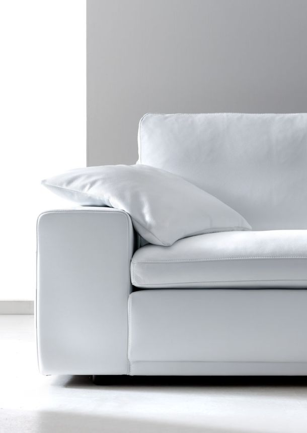 Królowa Śnieżka  #white #sofa #alberta #internoitaliano
