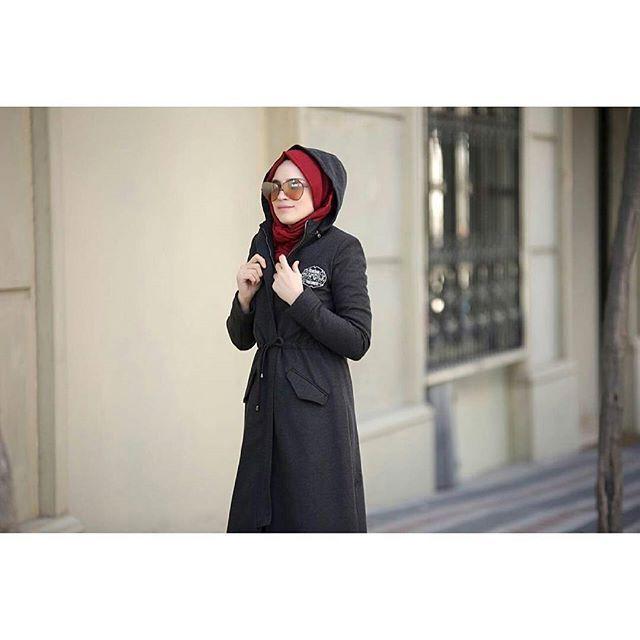 Soğuk havalarda çek kapüşonu sıcacık gez dolaş☺ Profilimizdeki linke hemen  tıkla ve incele! Butikgez.com dan da 5867 koduyla aratıp bulabilirsin #esrakekulluogluu #hijab #tesettür #kap