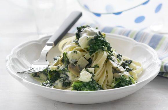 Pasta med spinat og gorgonzola