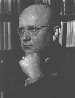 PhDr. Eduard Petiška (14. května 1924 Praha – 6. června 1987[1] Mariánské Lázně) byl český básník, romanopisec, povídkář, novelista, autor knih pro děti a mládež, dramatik, teoretik dětské literatury a překladatel, otec spisovatele Martina Petišky. Autor více než devadesáti titulů, oslovující už pátou generaci čtenářů. Jeho knihy byly přeloženy do několika desítek jazyků[2] a staly se populární i v zahraničí.