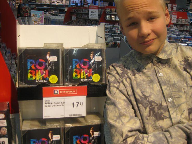 Robinin tuliterä #BoomKah albumi. #omena #cittari #hood