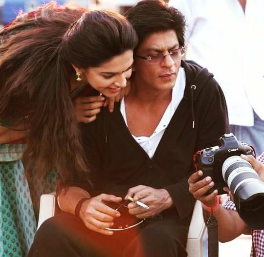 #TB Shah Rukh Khan & Deepika Padukone from the sets of Chennai Express
