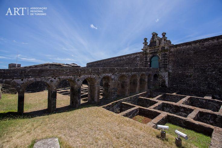 Visit Fortaleza de São João Baptista