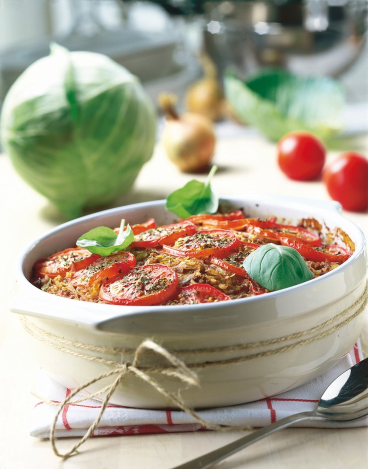 Tomaattinen kaalilaatikko
