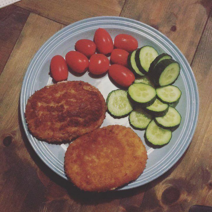Gordon bleu og grønt til aftensmad 😍 #preggolife#gravid#panerad#aftensmad schnitzel