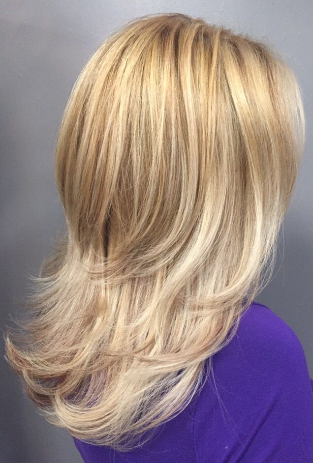 Multi-dimensional blonde highlights and lowlights @hairbychauntel
