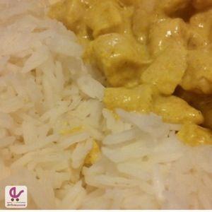 """Sì sì, proprio così, non è un errore di battitura! Vi presenterò due diverse ricette per il famosissimo pollo al curry, preparate con due tipi di spezie differenti. La prima ricetta è quella classica, con la polvere di curry, """"occidentalizzata"""" per farla mangiare ai miei bambini; gli ingredienti per quattro persone sono: due filetti di …"""