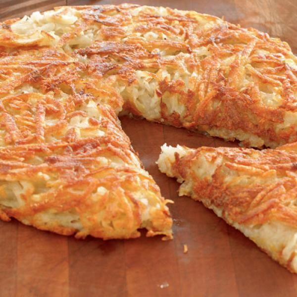 Receita de Batata Suíça - batatas para cozinhar numa panela com água. Quando começar a ferver, marque 7 minutos e retire as batatas. Leve para geladeira e de...