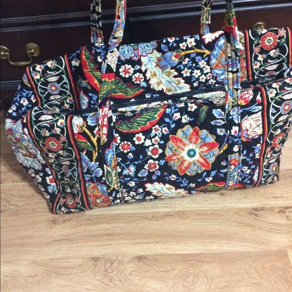 Vera Bradley duffel bag Vera Bradley Duffel Bag in Versailles print.  This duffel has only been used a few times. This was a Winter 2010 print and is now retired. Vera Bradley Bags Travel Bags