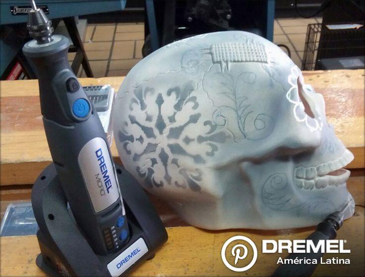 Paso 6) Se puede barnizar con esmalte transparente en aerosol para dar una terminación muy original.