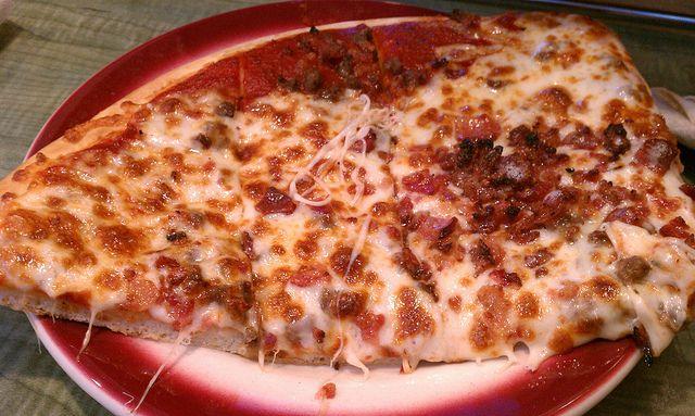 Bacon & Hamburger Pizza @ LaRosa's Pizzeria | Flickr - Photo Sharing!