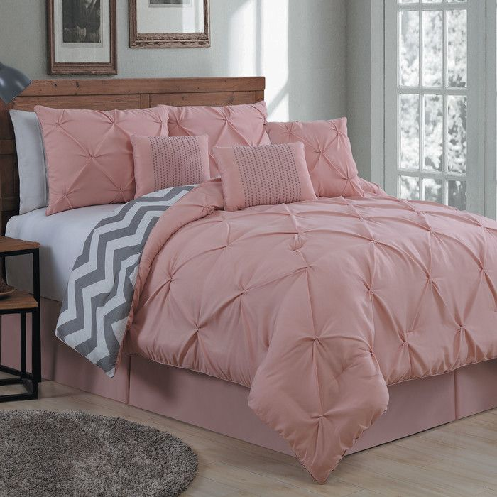 Features:  -Pinch pleat.  -Lightweight material.  Product Type: -Comforter/Comforter set.  Style (Old): -Glam/Traditional.  Pattern: -Solid/Chevron.  Material: -Polyester.  Number of Items Included: -