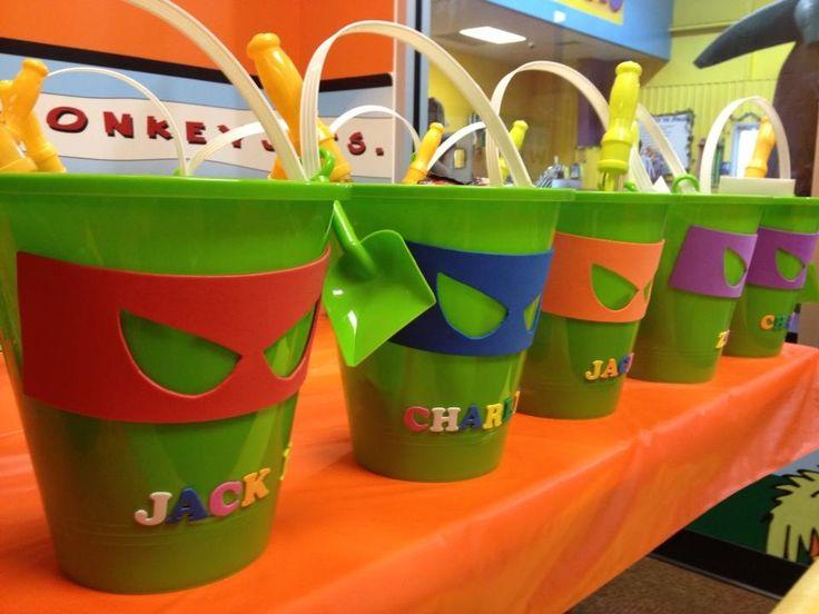 ninja turtle birthday party | Ninja Turtle birthday party treat buckets | Party Ideas