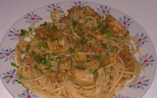 Retete Culinare - Spaghete cu carne de porc